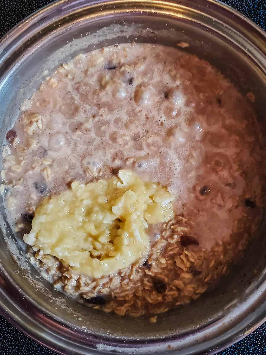 Oatmeal With Mashed Banana