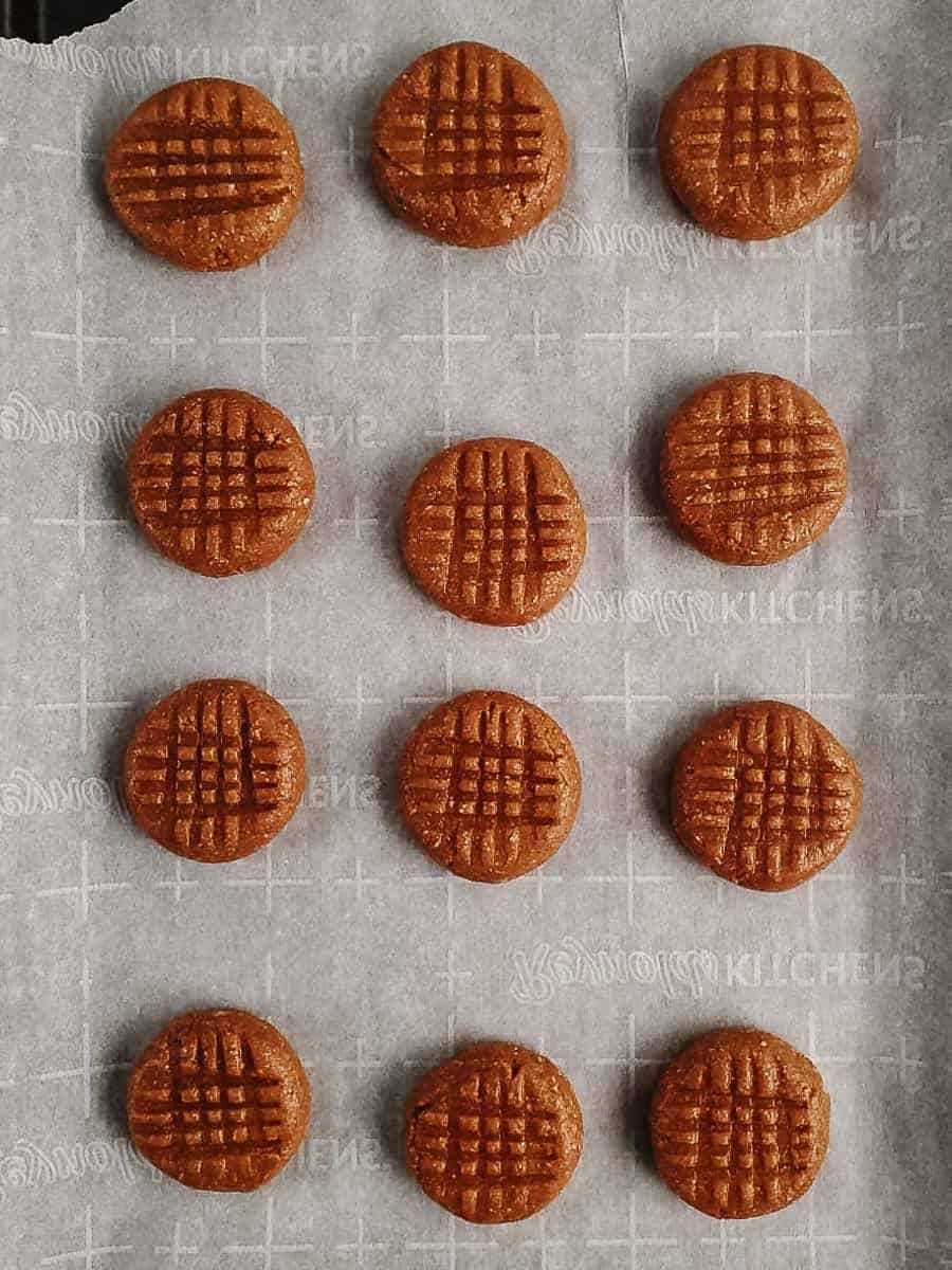 Unbaked Peanut Butter Cookies On A Pan