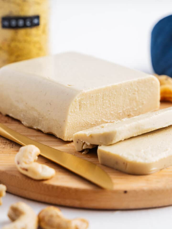Smooth Spreadable Vegan Cheese