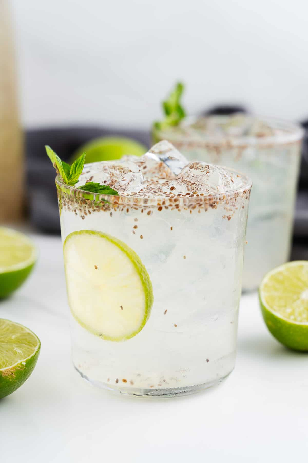 Agua de Limón con Chia